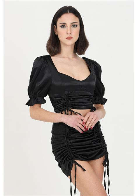 Black top with ruffle.Solid color model with short sleeves curled. Solid color model with short gathered sleeves.Glamorous GLAMOROUS | Top | AN3892BLACK