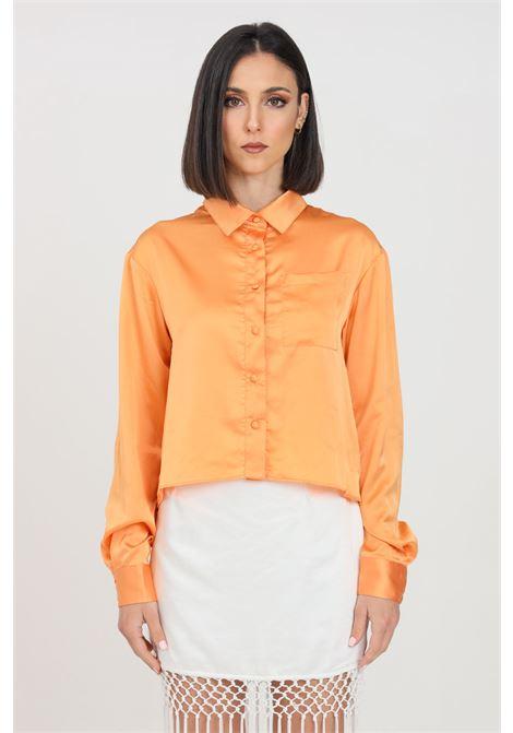 Camicia donna arancio glamorous casual in satin GLAMOROUS | Camicie | TM0327LIGHT ORANGE