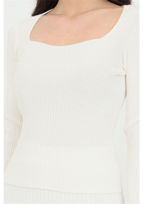 Cream sweater with square neckline and long sleeves. Slim model. Kontatto KONTATTO | Knitwear | 3M723011