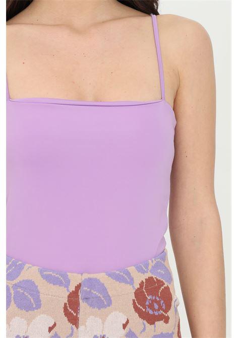 Body donna lavanda kontatto casual effetto raso lucido con bretelle sottili, chiusura con ciappette. Modello slim KONTATTO | Body | M1613141