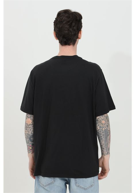 Black t-shirt with front logo in contrast, basic model with short sleeves. Relax fit. Levi's LEVI'S | T-shirt | 16143-00840084