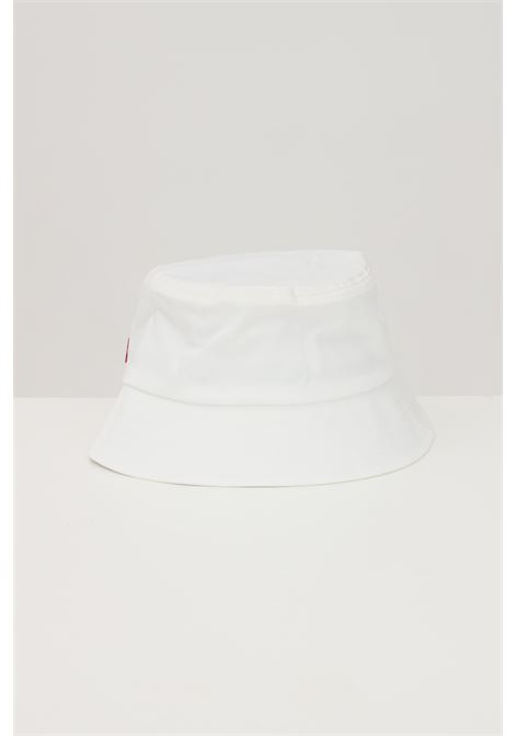 White bucket with contrasting logo on the front. Levi's LEVI'S | Hat | 233080-00006051
