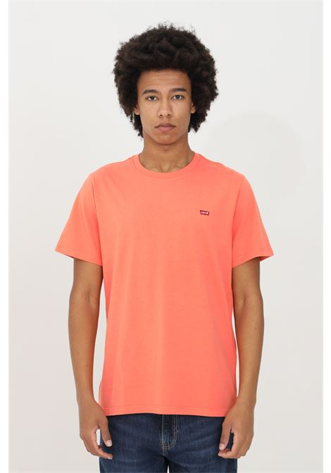 Coral t-shirt in solid color with contrasting logo on the front. Comfortable model. Levi's LEVI'S | T-shirt | 56605-00690069