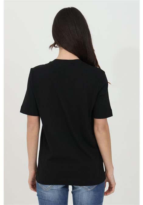T-shirt donna nero love moschino a manica corta con maxi logo olografico. Modello comodo LOVE MOSCHINO | T-shirt | W4F152TM3876C74