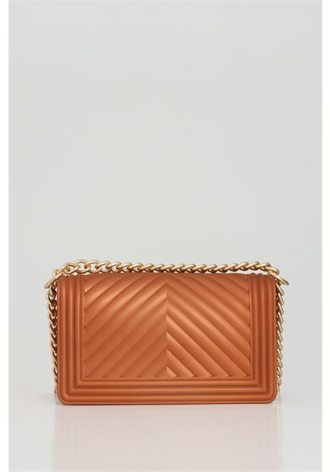 Flat M Bag with gold metal shoulder strap. MARC ELLIS | Bag | FLAT-MBRONZO