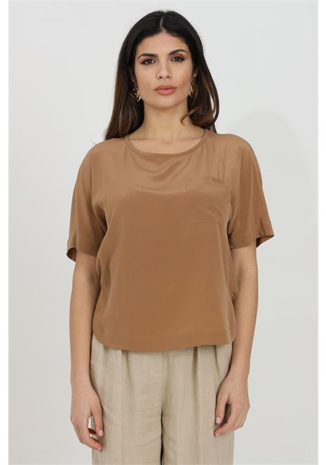 Caramel blouse with front pocket and short sleeves, over model. Max Mara MAX MARA | Blouse | 61110211600021