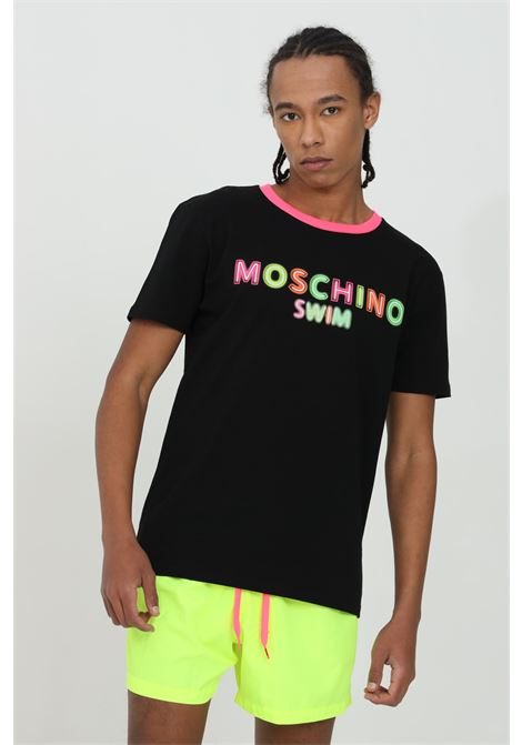 T-shirt uomo nero moschino a manica corta modello basic con stampa neon multicolor. Girocollo a costine fluo. Modello regular MOSCHINO | T-shirt | A190123160555
