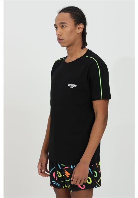 T-shirt uomo nera moschino a manica corta modello basic con bande multicolor e logo frontale MOSCHINO | T-shirt | A191423160555