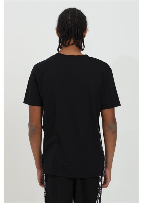 T-shirt uomo nera moschino a manica corta con logo frontale e bande laterali MOSCHINO | T-shirt | A192781310555