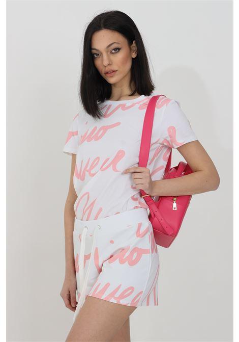 Shorts donna bianco moschino casual con molla in vita e maxi stampa lettering. Modello a vita alta MOSCHINO   Shorts   A432290111181