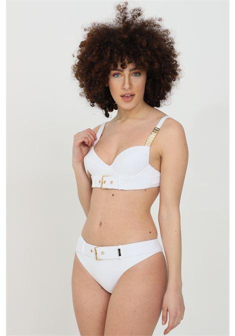 Beachwear costume donna bianco moschino slip mare con cintura in tinta unita e fibbia oro. Dettagli color oro, dettaglio occhiello, vestibilità slim MOSCHINO   Beachwear   A713555080001