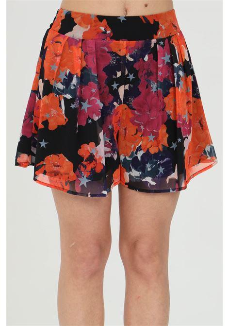 Shorts donna multicolor nbts a vita alta con stampa allover. Fondo ampio con leggera trasparenza NBTS | Shorts | NB21011.