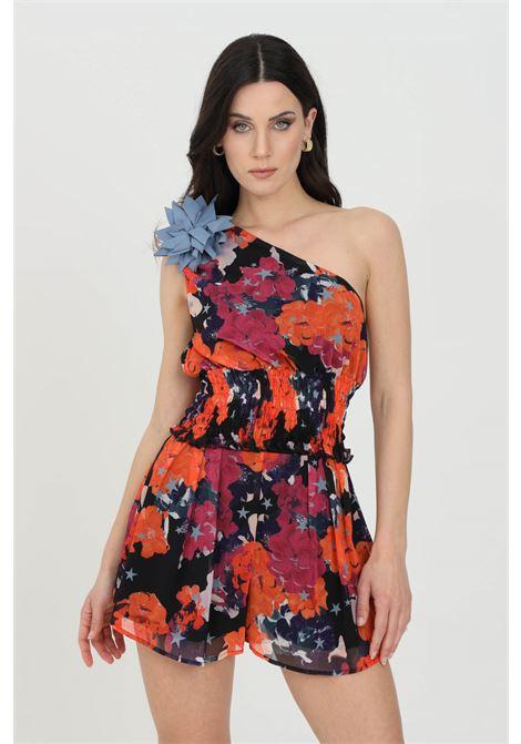 Top donna nero-rosso nbts casual asimmetrico con molla in vita e fiore sulla spalla. Stampa flower NBTS | Top | NB21037.