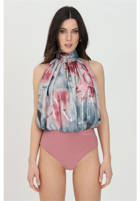 Body donna multicolor nbts elegante smanicato con stampa allover. Modello comodo a collo alto. Chiusura con gancetti NBTS | Body | NB21043.