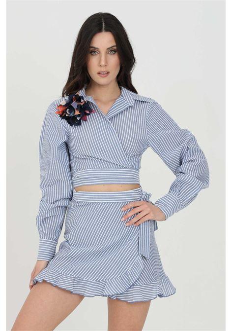 Light blue shirt, crop cut. Brooch application. Cuffs with buttons. Nbts NBTS | Shirt | NB21080AZZURRO