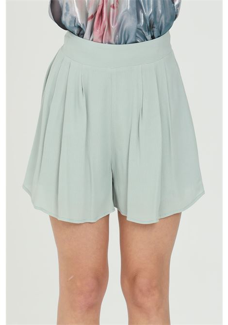 Shorts donna verde nbts casual n tinta unita a vita alta con elastico sul retro. Fondo ampio svasato NBTS | Shorts | NB21102.