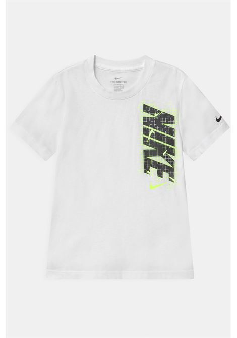 White t-shirt with logo on the front. Baby model. Brand: Nike NIKE | T-shirt | 86H416-0011