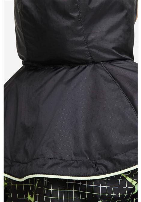 Felpa bambina nero Nike con stampa logo allover NIKE | Felpe | 86H529-02323