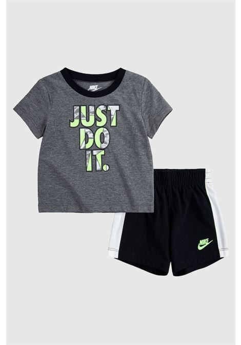 Completino bambino grigio nike t-shirt e shorts NIKE | Completini | 86H771-02323