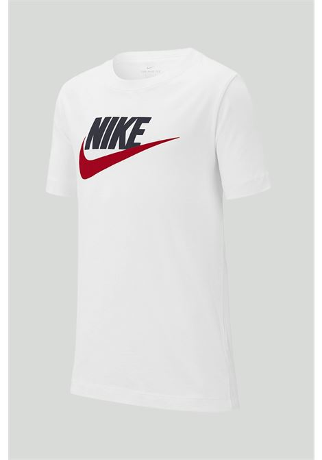 White t-shirt with contrasting print on the front. Baby model. Brand: Nike NIKE | T-shirt | AR5252107