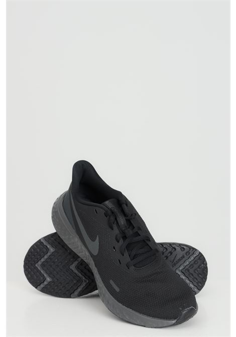 Black-grey nike revolution 5 sneakers with contrasting logo NIKE | Sneakers | BQ3204001