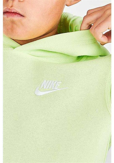 Felpa bambino/a lime Nike con cappuccio e mini logo a contrasto NIKE | Felpe | BV3757383