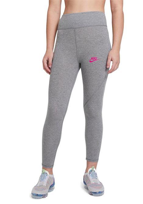 Grey leggings with contrasting logo. Baby model. Brand: Nike NIKE | Leggings | CU8248094