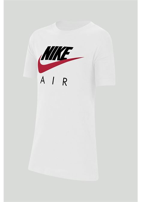 White t-shirt with maxi print on the front. Baby model. Brand: Nike NIKE | T-shirt | CZ1828100