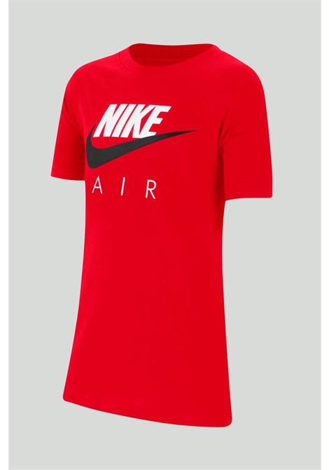 Red t-shirt with maxi print on the front. Baby model. Brand: Nike NIKE | T-shirt | CZ1828657
