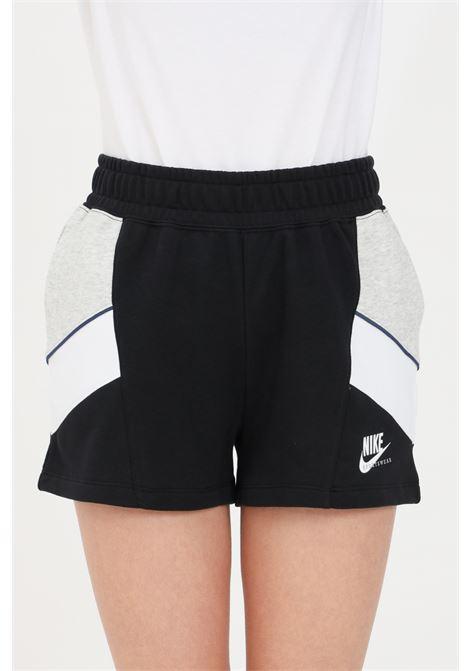 Shorts donna nero nike sport con tasche laterali NIKE | Shorts | CZ9302010