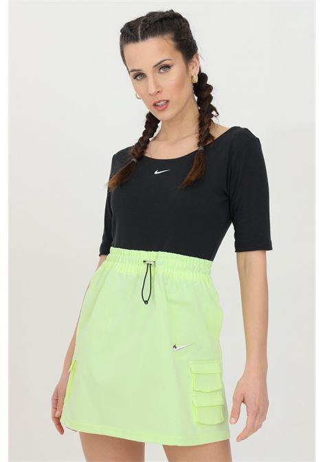 T-shirt donna nero nike a manica corta con scollo a barca NIKE | T-shirt | CZ9812010