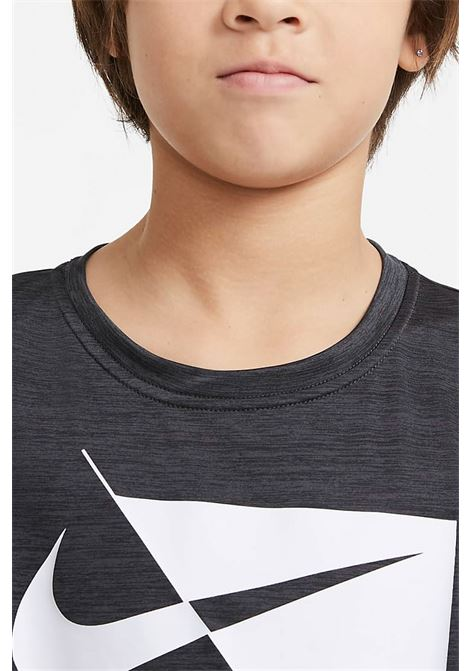 Black t-shirt with front print. Baby model. Brand: Nike NIKE | T-shirt | DA0282010