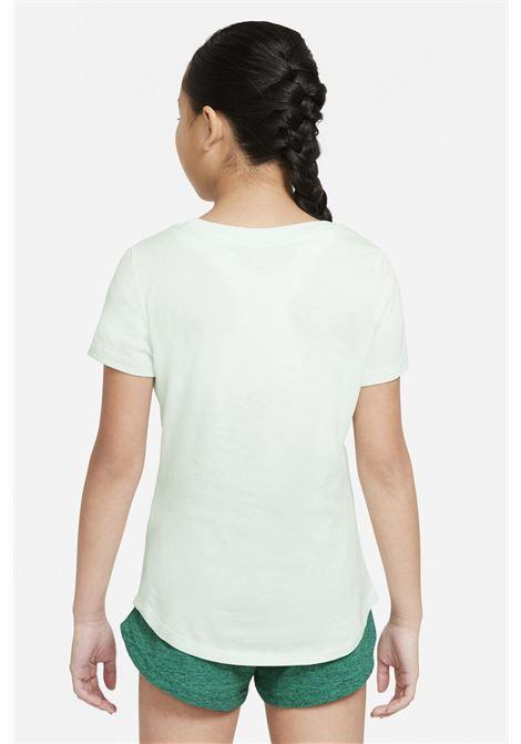 T-shirt bambina verde nike con logo al centro NIKE | T-shirt | DH5865394