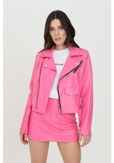 Fuchsia jacket in eco- leather with rhinestone applications on the back. Fake front pocket. Zip closure and waistband. Odi et amo ODI ET AMO | Jacket | 119T1FUXIA