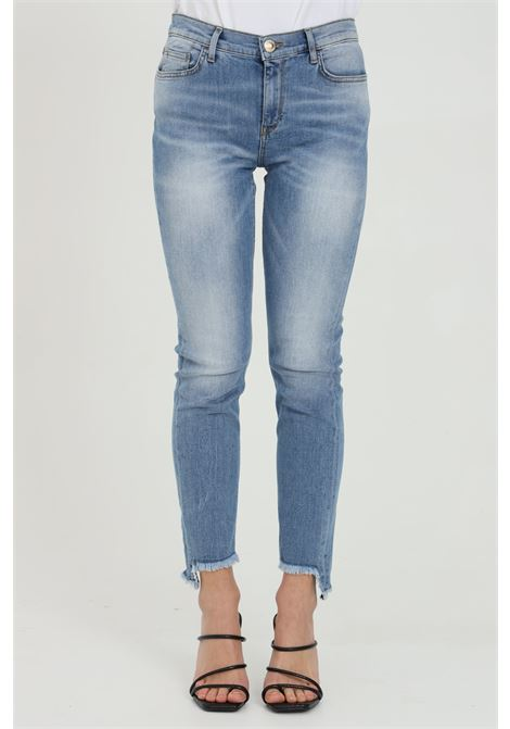 Light blue jeans with high waist. Bottom with mini fringes. 5-pocket model. Zip and button closure. Pinko PINKO | Jeans | 1J10KX-Y6FDF57
