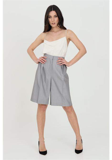 Shorts donna grigio Simona Corsellini elegante in pelle sintetica SIMONA CORSELLINI | Shorts | P21CPSH002-01-TTEL00020505