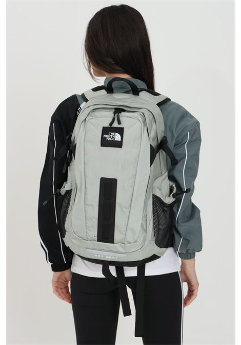 Grey hot shot special edition backpack in solid color with small logo in contrast. The north face  THE NORTH FACE | Backpack | NF0A3KYJZ311Z311