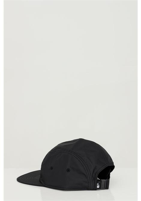 Cappello unisex nero the north face berretto in tinta unita con logo frontale a contrasto THE NORTH FACE | Cappelli | NF0A3SIHJK31JK31