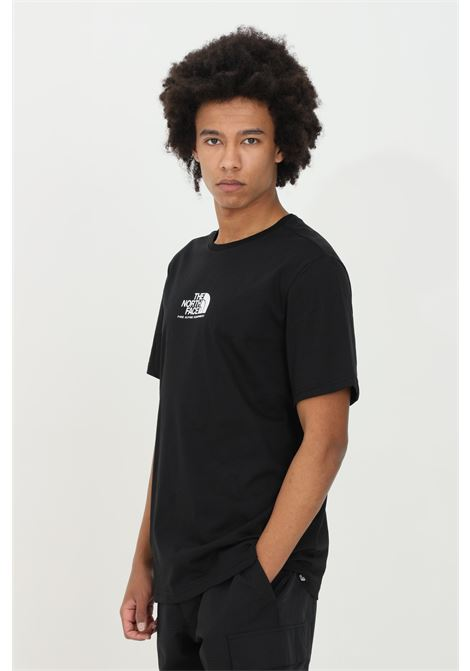 Black t-shirt with front logo in contrast, short sleeve. Comfortable model. The north face THE NORTH FACE | T-shirt | NF0A4SZUJK31JK31