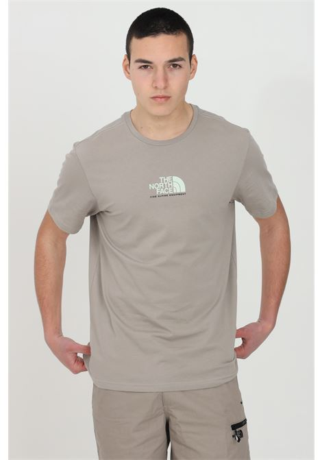 Sand t-shirt with front logo in contrast, short sleeve. Comfortable model. The north face THE NORTH FACE | T-shirt | NF0A4SZUVQ81VQ81