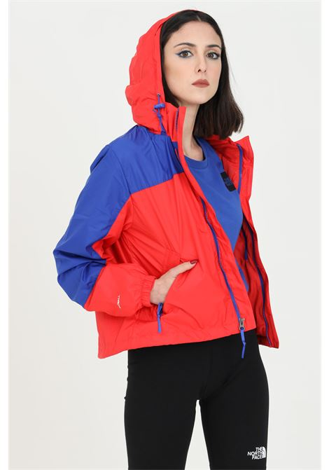 Giubbotto donna rosso-blu the north face giacca a vento con cappuccio e coulisse, chiusura con zip nascosta THE NORTH FACE | Giubbotti | NF0A53BTY3B1Y3B1