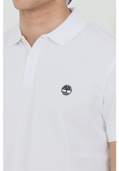 Polo millers river collar uomo bianco timberland in jaquard pique, modello basic in tinta unita con logo ricamato a contrasto. Colletto regular con bottoni. Modello slim TIMBERLAND | Polo | TB0A2BNX10011001