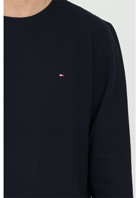 Blue sweater with contrasting logo on the front, crew neck model. Tommy hilfiger  TOMMY HILFIGER | Knitwear | MW0MW16796DW5