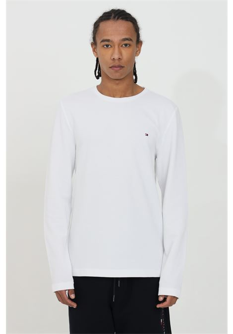 White sweater with contrasting logo on the front, crew neck model. Tommy hilfiger TOMMY HILFIGER | Knitwear | MW0MW16796YBR
