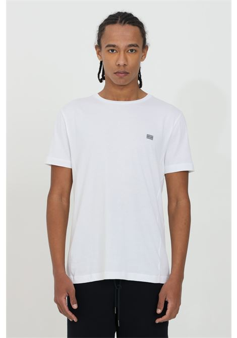 White t-shirt in jersey, front print and short sleeves. Comfortable model. Tommy hilfiger  TOMMY HILFIGER | T-shirt | MW0MW17699YBR