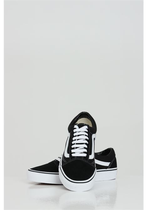 Black Old Skool sneakers in solid color with white contrasting logo and sole, closure with laces. Vans VANS | Sneakers | VN000D3HY281Y281