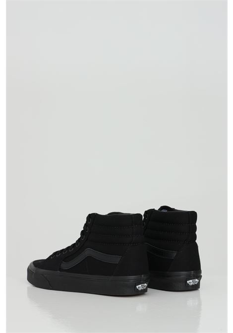 Black Sk8 Hi sneakers in solid color, closure with laces, boot model. Tone on tone logo. Rubber sole and round toe. Vans tonda VANS | Sneakers | VN000TS9BJ41BJ41