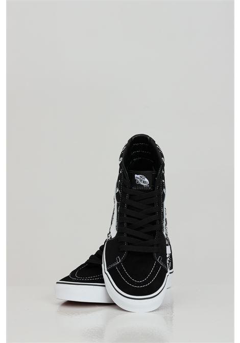 Sneakers ua sk8-hi uomo nero vans con stampa skull laterale e logo a contrasto VANS | Sneakers | VN0A32QGD9S1D9S1