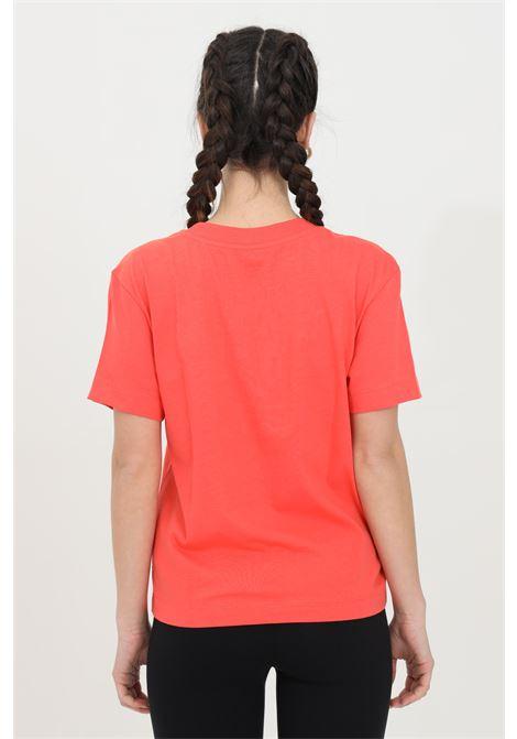 T-shirt donna corallo vans a manica corta in tinta unita con logo frontale a contrasto in dimensioni ridotte, modello basic VANS | T-shirt | VN0A4MFLLM31LM31