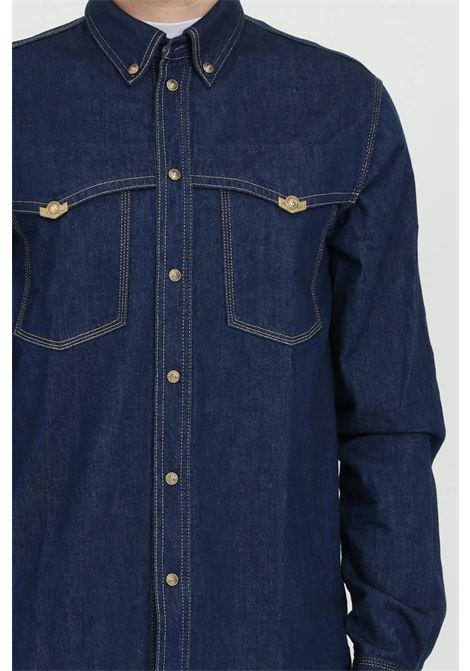 Camicia in denim con bottoni oro VERSACE JEANS COUTURE | Camicie | B1GWA60IAPU54904